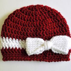 Free Pattern: Crochet Bow and Ribbon Baby Hat   Classy Crochet