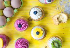 Zarte Joghurt Cupcakes mit schnellem Frischkäse-Topping