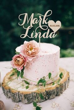 17 Different Styles of Personalized Cake Toppers