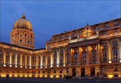 https://flic.kr/p/jnkDr9 | Budaer Burgpalast | illuminated courtyard of Buda Castle  in Budapest