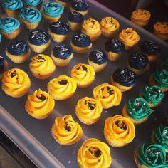 Mini cupcakes thème Batman pour aller avec sa mini pièce montée