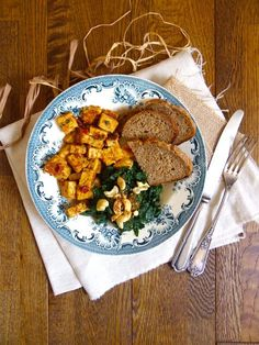 Tempeh tandoori et épinards, recette - Vegan Pratique