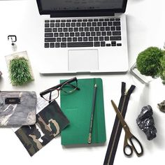 I have received quite a lot of questions about business tips, especially online related ones. After a long time of personal review, I believe it's time for me to stay true to myself - for I love to share resources and experiences. I have learnt my way by trial and error, and now I've compiled a list of tools for creativepreneurs who are starting or have an e-commerce business selling digital products. This first post is now on the blog to welcome a bright 2017 (link in bio) ! More tips will…