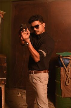 Theri Movie Latest HD Photos Stills & Images Actor Picture, Actor Photo, Bobby Simha, Selfies, Ilayathalapathy Vijay, Samantha Images, Vijay Actor, Hunks Men, Still Picture