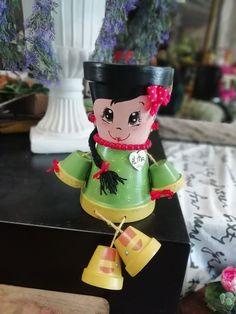 Flower Pot Art, Clay Flower Pots, Flower Pot Crafts, Ceramic Flower Pots, Clay Pot Projects, Clay Pot Crafts, Diy Clay, Flower Pot People, Clay Pot People