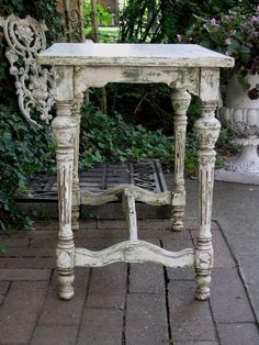 Addicted to shabby chic painted furniture! RedBarnEstates.com #shabbychicdressersvintage