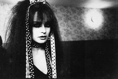 Jill Bryson of Strawberry Switchblade backstage at The Venue, Glasgow (1982)