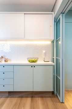 Storehouse Home Decor ( Modern Kitchen Design, Interior Design Kitchen, Interior Decorating, Home Design, Design Design, Kitchen Cabinet Colors, Minimalist Kitchen, Decorating Small Spaces, Home Decor Kitchen