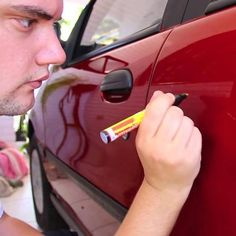 Now you can avoid having to pay expensive auto body shop bills with the amazing AutoPro Scratch Magic Eraser. This Clear Coat Scratch Repair Filler & Sealer i House Cleaning Tips, Spring Cleaning, Cleaning Hacks, Car Cleaning, Clean Dishwasher, Simple Life Hacks, Rubbing Alcohol, The Body Shop, Clean House