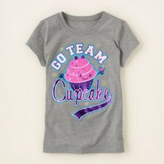 cupcake team graphic tee