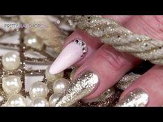 #nailart #color #farbgel #nails Eine frische Farbe, dazu eine ausgefallene Nagelform und einige Strasssteine - mehr brauchst Du nicht für einen tollen Hingucker auf den Nägeln. Das zeigen wir Dir in diesem Video. Hier findest Du alle verwendeten Produkte: http://www.prettynailshop24.de/shop/nailart-shiny-pink-mit-neuem-farbgel-video_914.html#Produkte?utm_source=pinterest&utm_medium=referrer&utm_campaign=pi_NA_Farbgele1216