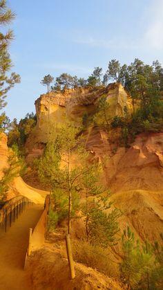 The Regional Natural Park of Luberon : Les Ocres du Luberon, Rousillon