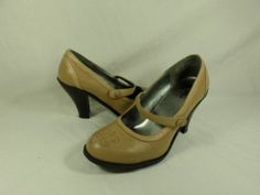 Womens shoes MOSSIMO beige tan LEATHER high heels MARY JANES pumps sz 6.5 M