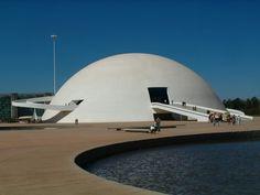 Museo Nacional, Brasilia (Oscar Niemeyer) Guimaraes