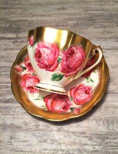 Queen Anne Tea Cup and Saucer #Pretty #Teacup #Pinkandgold #PinkCabbageRoses #VintageTeacupandSaucer