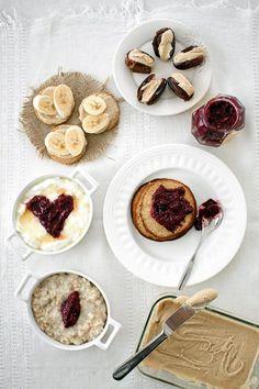Terveysherkkujen aatelia: pähkinävoi ja chiahillo - Kiusauksessa - Kiusauksessa - Helsingin Sanomat Pancakes, Cheesecake, Pie, Breakfast, Desserts, Food, Torte, Morning Coffee, Tailgate Desserts