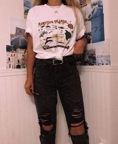 trendy summer outfits ideas for teen girls to try 17 ~ thereds.me trendy summer outfits ideas for teen girls to try 17 ~ thereds.me,clothes! trendy summer outfits ideas for teen girls. Outfit Ideas For Teen Girls, Teenage Outfits, Teen Fashion Outfits, Edgy Outfits, Mode Outfits, Retro Outfits, Korean Outfits, Grunge Outfits, Look Fashion