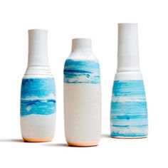 Neil Tregear Pottery, Isle of Wight. Looks like stripes of ocean/sky. Ceramic Vase, Ceramic Pottery, Techno, Isle Of Wight, Ancient Romans, Vases, Bowls, Objects, Arts And Crafts