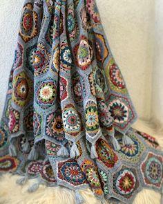 Reserved for Lily. Crochet Afgans, Knit Or Crochet, Crochet Stitches, Crochet Hexagon Blanket, Crochet Blocks, Hexagon Quilt, Knitted Blankets, Wool Blanket, Tatting Patterns