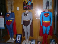 Love this pic. These are the original TV/movie costumes, as preserved by a collector in Indianapolis. From left to right, we have the George Reeves color costume, the George Reeves black and white costume, and the Christopher Reeve Superman movie costume.