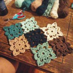 hayleyarious crochet squares