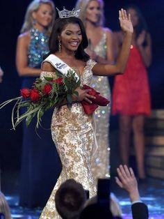 Jasmine Murray Crowned Miss Mississippi 2014 for Miss America 2015