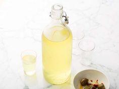 How to make homemade limoncello - Giada de Laurentis' recipe