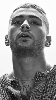 Discovered by mey Find images and videos about zayn malik zayn and zaynmalik on We Heart It the app to get lost in what you love Zayn Malik Blonde, Cabello Zayn Malik, Estilo Zayn Malik, Zayn Malik Style, Zayn Malik Tumblr, Zayn Malik Pics, Zayn Malik Shirtless, Zayn Malik Photoshoot, Zayn Malik Images