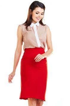 Fusta rosie tip creion cu lungime mini si model decorativ plisat in partea din spate. Se inchide in partea din spate cu ajutorului unui fermoar. Waist Skirt, High Waisted Skirt, Skirts, Model, Fashion, Fashion Styles, Fashion Illustrations, Skirt, Moda