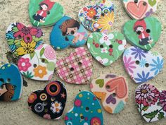 Mixed Heart 2 Hole Wooden Flower & Pattern Buttons 25x22mm - 10 buttons