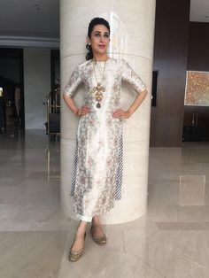 Karisma Kapoors Wore A Cool Contemporary Desi Outfit For Onam!