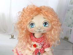 Купить Алинка. Текстильная шарнирная авторская кукла - ярко-красный, бежевый, текстильная кукла