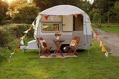 Caravan Makeover 555490935279560013 - Vintage Retro Thomson Glen Caravan Source by moiiza Vw Caravan, Retro Caravan, Retro Campers, Vintage Campers, Happy Campers, Vintage Motorhome, Teardrop Camper Interior, Tiny Camper, Camper Life