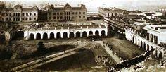 Vista de la Recova vieja antes de su demolición, desde la torre del Cabildo. Año 1883.