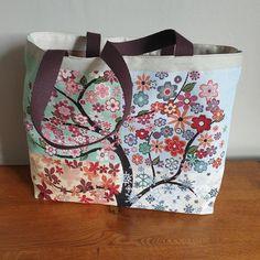 Sac cabas Cabôtin en jacquard arbre fleuri cousu par Sylvie - Patron Sacôtin