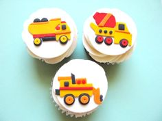3D Dump Truck….what little boy wouldn't love this! Coordinates with my Construction Themed Cupcake Toppers too! Approx 4″ long