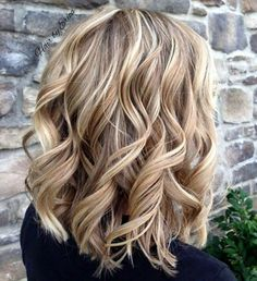 20 Inspiring Blonde Balayage Hair Ideas for 2019 - Style My Hairs Blonde Hair Shades, Cool Blonde Hair, Blonde Fall Hair Color, Hair Color Balayage, Hair Highlights, Haircolor, Blonde Balayage Bob, Medium Hair Styles, Curly Hair Styles