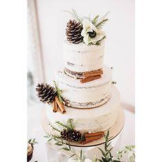 81 отметок «Нравится», 5 комментариев — Irina Kubarich (@irinakubarich) в Instagram: «Торт на светлую зимнюю свадьбу)) Сама нежность))🌿🌿🌿 ❤️Организация, декор @luxeeventptz ❤️фоточки от…»