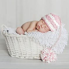 This pattern includes instructions for creating NEWBORN and 3 MONTH size Puff Ball Beanies. The fluffy puff ball is for fun photography purposes & can be made in any number of different colors. The directions are clear & color-coded for your convenience.