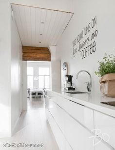 White & other colors Kitchen Inspirations, Beautiful Kitchens, Interior Architecture Design, Kitchen Room, White Decor, Kitchen Decor, Sweet Home Alabama, House Interior, Build My Own House