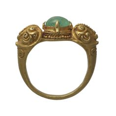 An Emerald And Gold Ring Java  12th Century