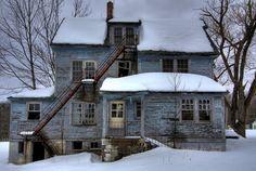 Four Corners Hotel, Kiamesha Lake, Sullivan County, Catskill Mountains, New York. Abandoned hotel.