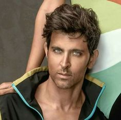 Hrithik Roshan Hairstyle, Messed Up Hair, Bollywood Pictures, Latin Men, Cool Anime Guys, My Big Love, Most Handsome Men, Bollywood Stars, Latest Hairstyles