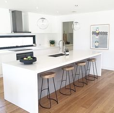 Make Use of Colour In Your Kitchen With These Ideas Apartment Kitchen, Kitchen Interior, Kitchen Decor, Modern Farmhouse Kitchens, Home Kitchens, Open Plan Kitchen Living Room, Kitchen Colour Schemes, Kitchen Benches, Decoration Inspiration