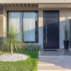 46 ideas minimalist home design exterior facades House Front Design, Small House Design, Home Room Design, Dream Home Design, Minimal House Design, House Entrance, Facade House, Minimalist Home, Home Fashion