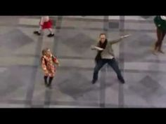 The Sound of Music - FLASH MOB - Do Re Mi - My Favorite Things - Tutti insieme appassionatamente.