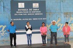 Jalpan de Serra Qro. 20 de Enero del 2017.- La Presidente Municipal Lic. Selene Salazar, tuvo a bien hacer entrega...