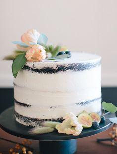 Simple and Elegant Nearly Naked Wedding Cake | Ainsley Carlisle Photography | http://heyweddinglady.com/bourbon-sage-fresh-fall-wedding-colors/