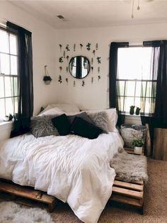 home_decor - 76 cute girls bedroom ideas for small rooms 13 Room Ideas Bedroom, Small Room Bedroom, Bedroom Designs, Bedroom Inspo, Black Curtains Bedroom, Decor Room, Cheap Bedroom Decor, Bedroom Ideas For Small Rooms For Adults, Adult Room Ideas