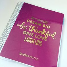 Sometimes you need a new @erincondren cover for that daily reminder of greatness. #planner #organizerlife #erincondren #holidaycover #dreambig #bethankful #laughlots #dailyreminder #motivation #inspiration #quotes @heyheyheatherk